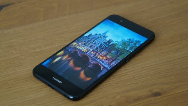 Huawei nova 2 huawei Test: Huawei nova 2 – Der Selfie-Superstar hat sich verknipst Huawei nova 2 oben 660x371