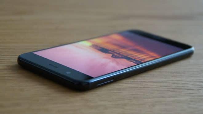 Huawei nova 2 huawei Test: Huawei nova 2 – Der Selfie-Superstar hat sich verknipst Huawei nova 2 schraegseitlich 660x371