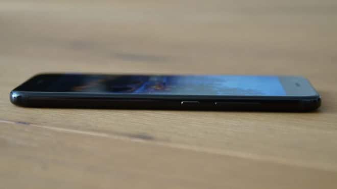 Huawei nova 2 huawei Test: Huawei nova 2 – Der Selfie-Superstar hat sich verknipst Huawei nova 2 seitlich 660x371