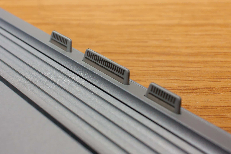 SurfaceBook 15 - A. Bergmann / TechnikSurfer / PICTURE GROUP  12 Kontakte zwischen Tablet und Tastatur 12 Kontakte zwischen Tablet und Tastatur